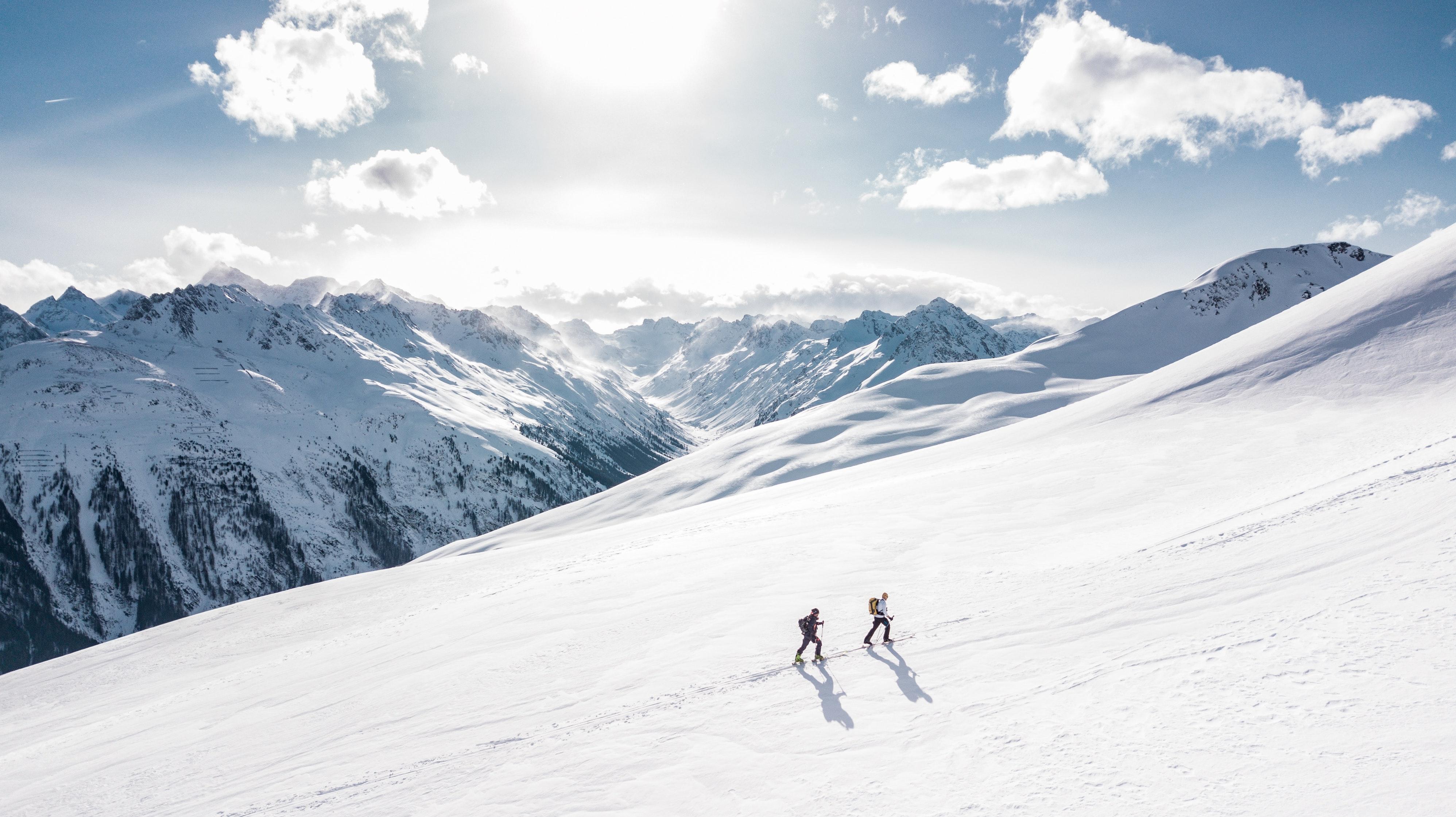 adventure-alpine-climb-869258